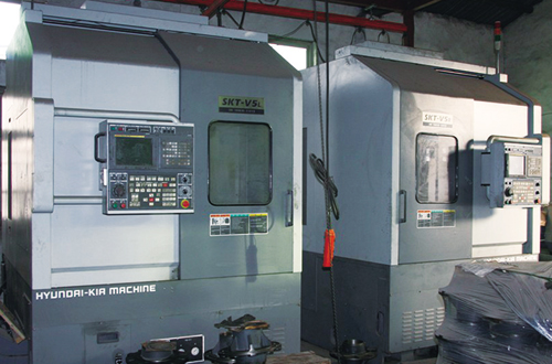 Vertical CNC machine tool